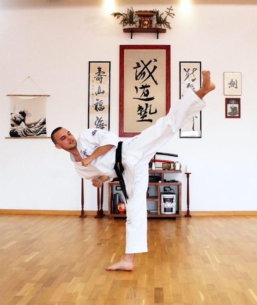 Senpai Matteo - Seido Karate Italy